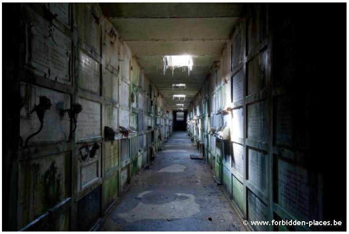 Crypte abandonnée
