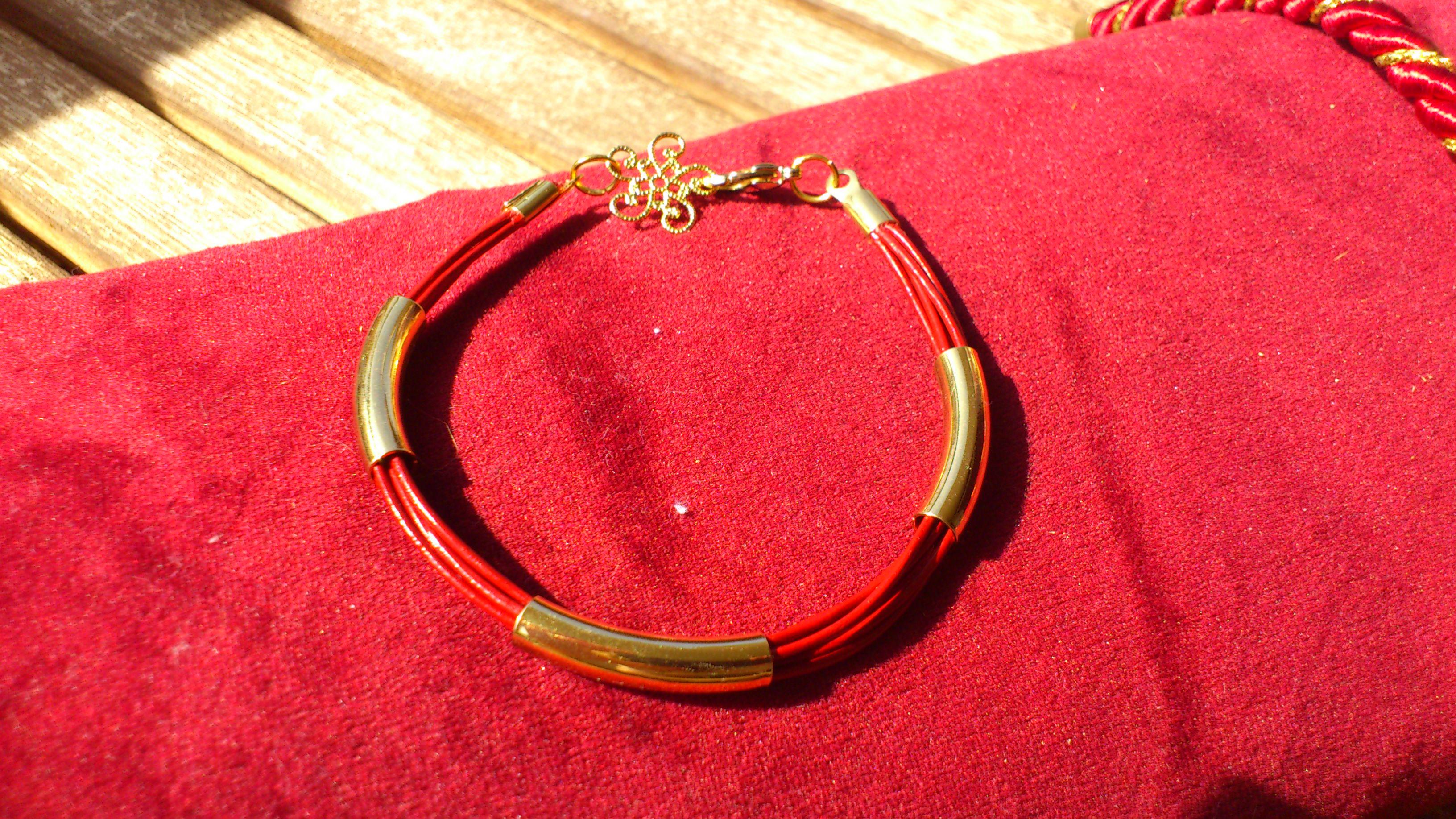 Bracelet fait main doré bordeaux
