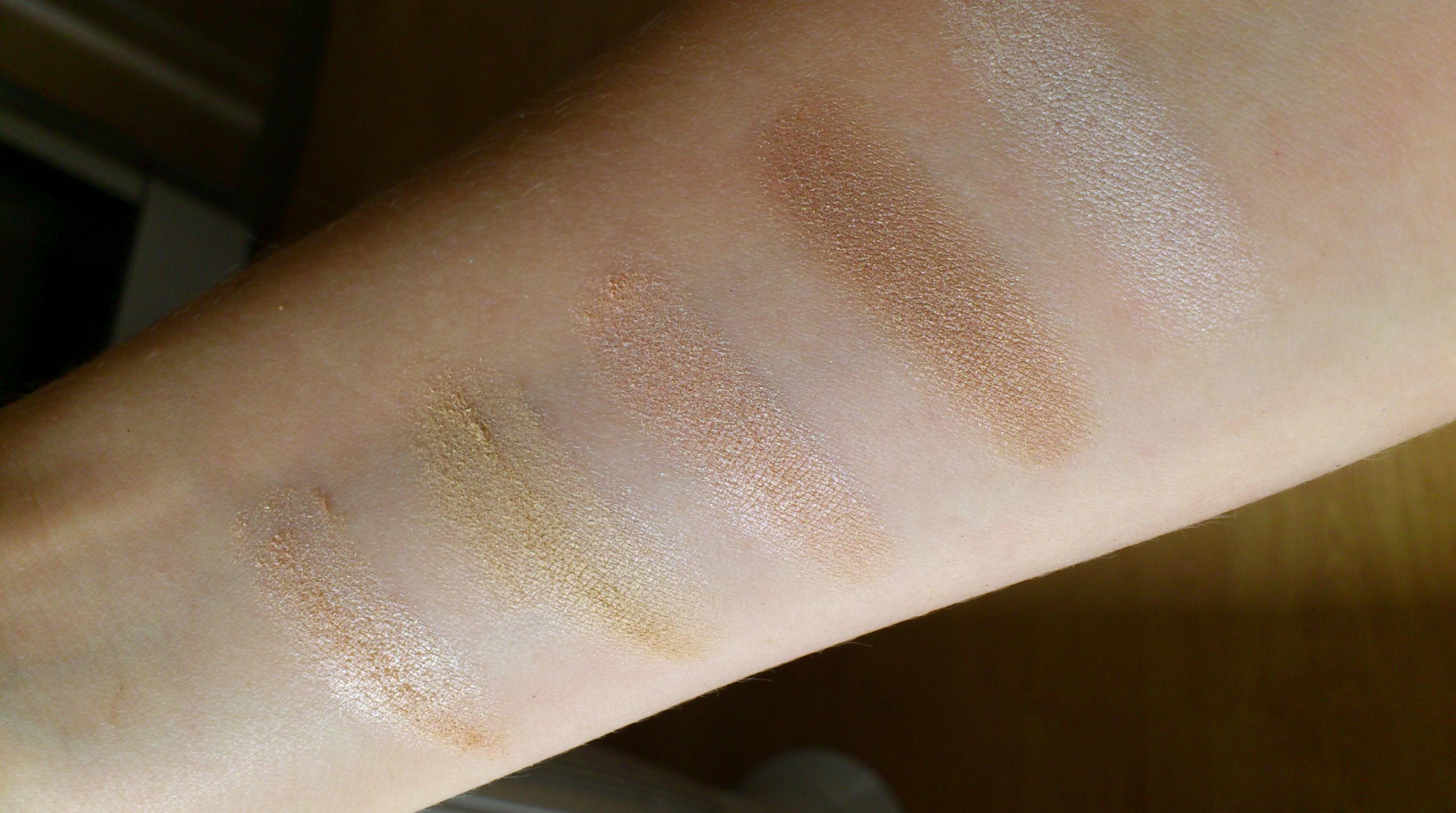 Swatch fard paupière benecos dr hauschka couleur caramel lily lolo so bio etic